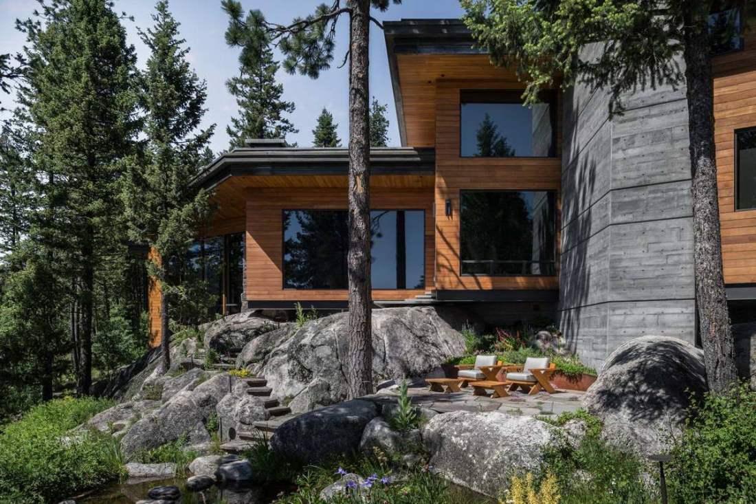 Каркасный дом 6x8 в лесу